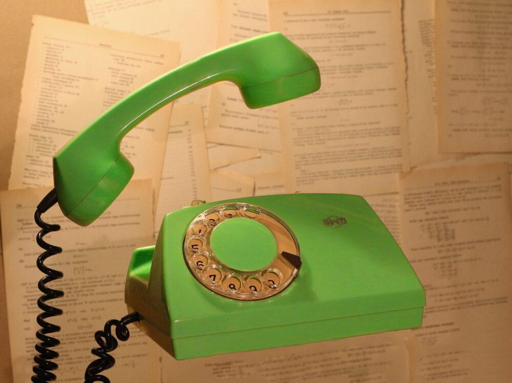 Phone Vintage Old Retro Contact  - FotoKacper / Pixabay